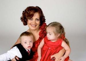 Eliana Tardia with her two children.