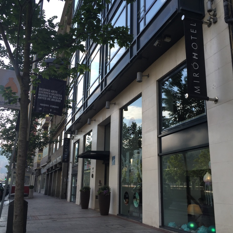 Hotel Miró entrance.